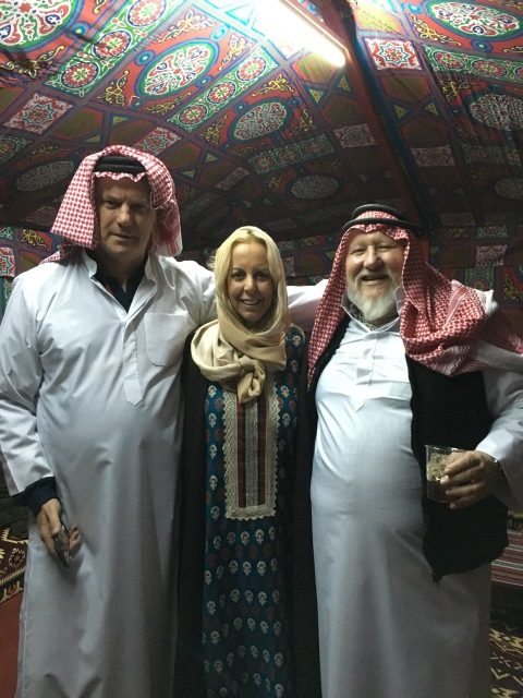 Paul Bedford, Leslie Aitken and some fat bloke at a RoadShow in Kuwait - don't show Alien Trump...
